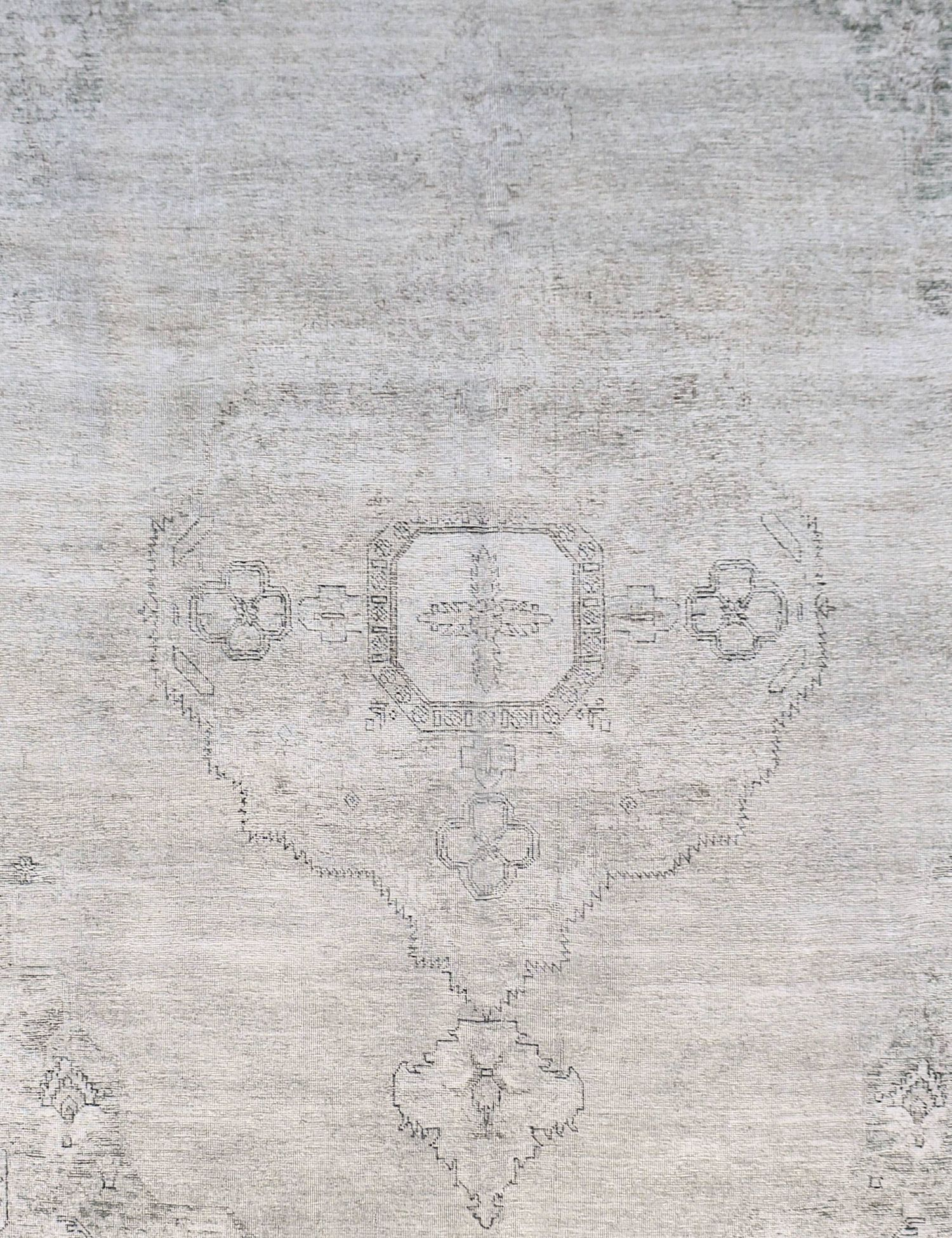 Vintage Carpet  grey <br/>387 x 296 cm