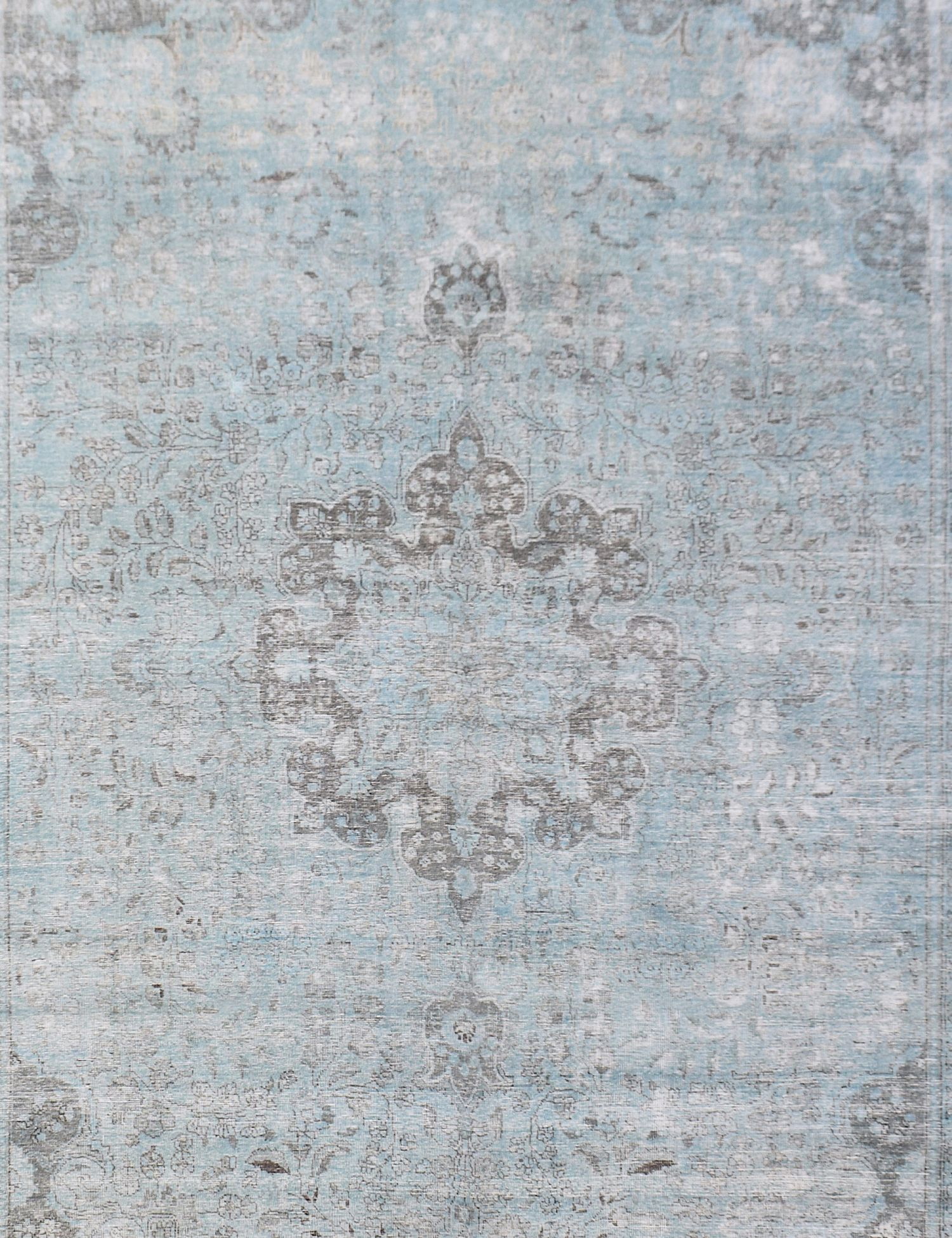 Vintage Carpet  blue <br/>394 x 294 cm