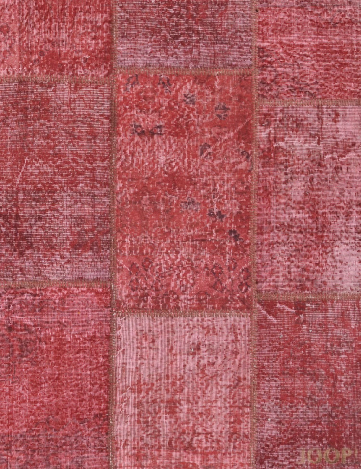 Patchwork Teppich  rot <br/>240 x 170 cm