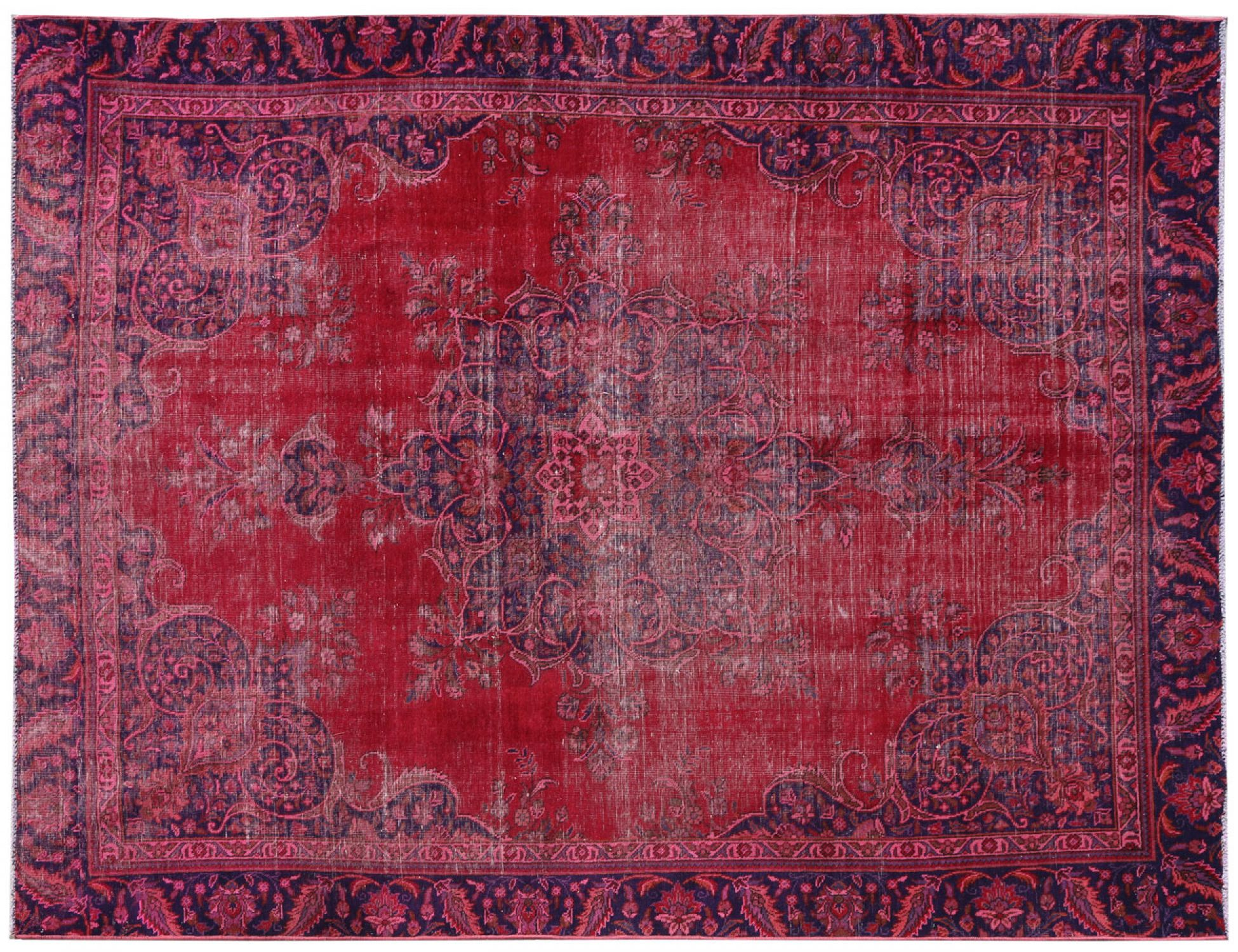Vintage Carpet  red <br/>351 x 275 cm