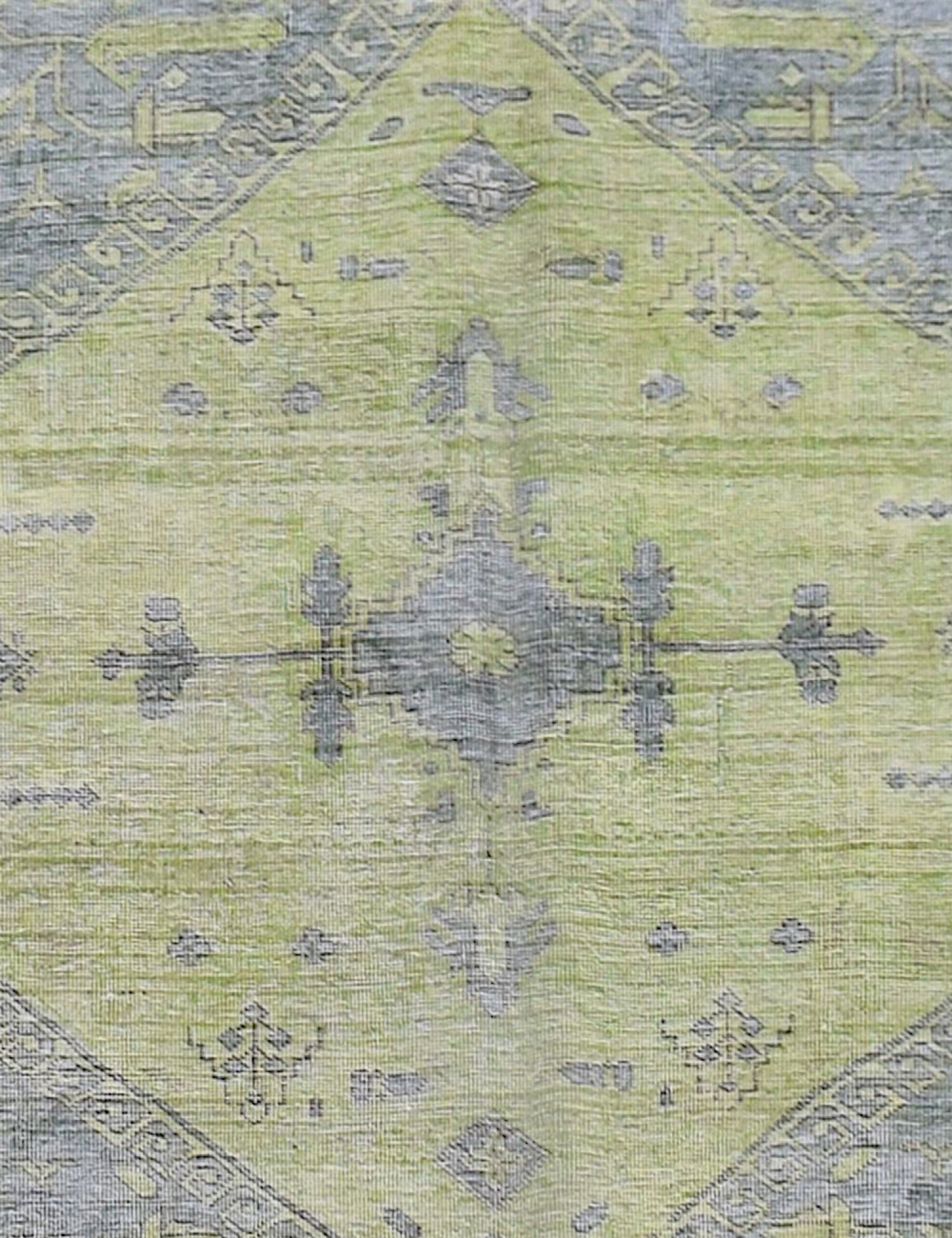 Vintage Carpet  green <br/>374 x 286 cm