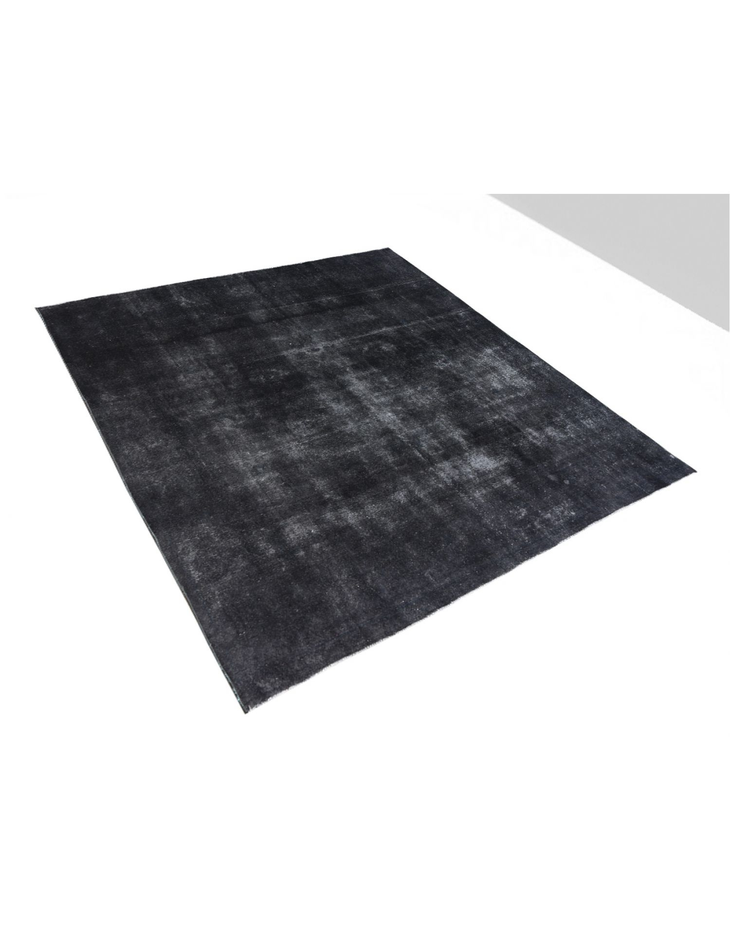 Vintage Carpet  black <br/>333 x 316 cm